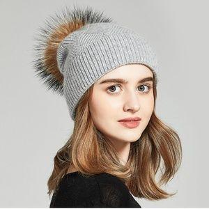 Accessories - Anika Wool Cross Knit Hat Fur Pom - Light Grey